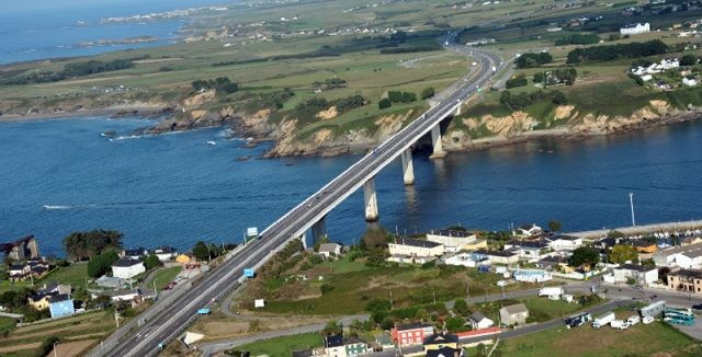 A Ponte dos Santos une Galicia e Asturias