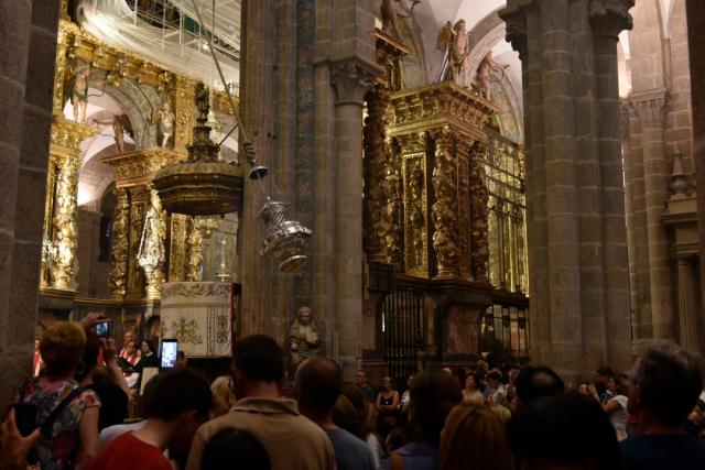 Balanceo de botafumerio en la Catedral de Santiago de Compostela - Joel Carillet/iStock