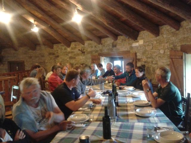 Cena en la palloza de A Reboleira (Fonfría, 29-06-2016]