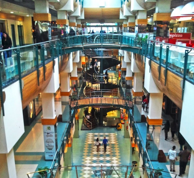 Centro Comercial Ponte Vella, Ourense Panoramio / José Mª Alvarez Soliño