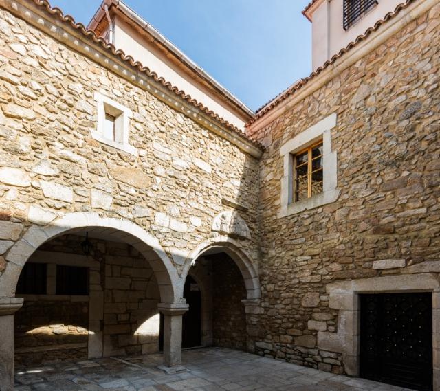 Convento de Santa Bárbara | Diego Delso - Wikipedia.org