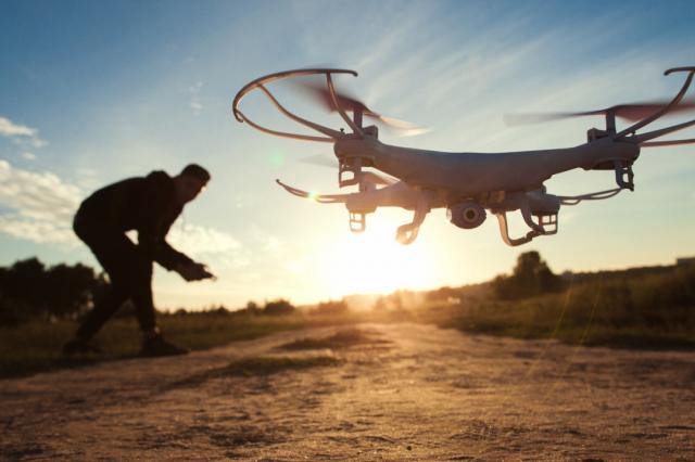 Dron - iStock