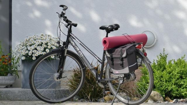 El Camino de Santiago sobre dos ruedas: cómo transportar la bicicleta