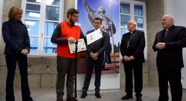 El peregrino 300.000 de 2017 ha sido homenajeado en Santiago | La Voz de Galicia