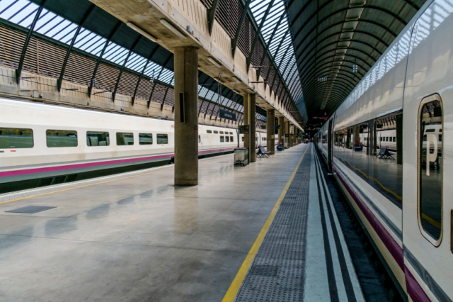 Estación de tren - Envato