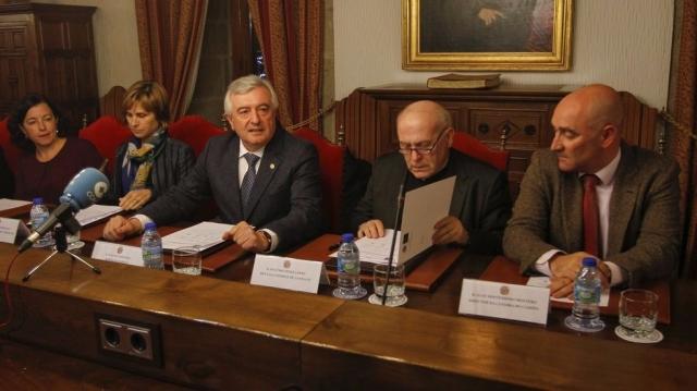 Firma del convenio para la Cátedra Institucional del Camino de Santiago | XOAN A. SOLER (La Voz de Galicia)