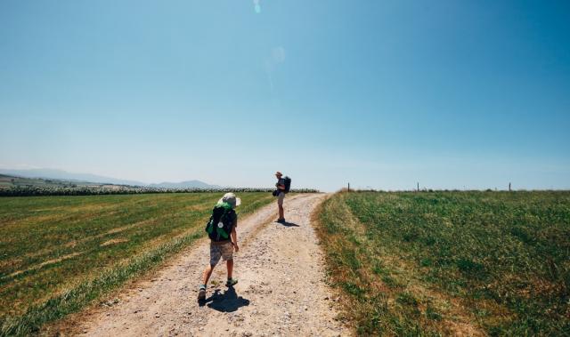 Hacer el Camino de Santiago en familia - iStock/solovyova