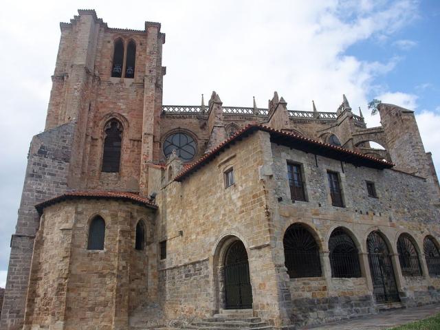 Iglesia de Santa María de la Asunción (Castro Urdiales) - Wikimedia/Javi Guerra Hernando