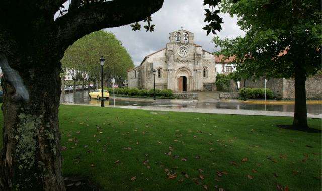 Iglesia románica de Santa María de Cambre