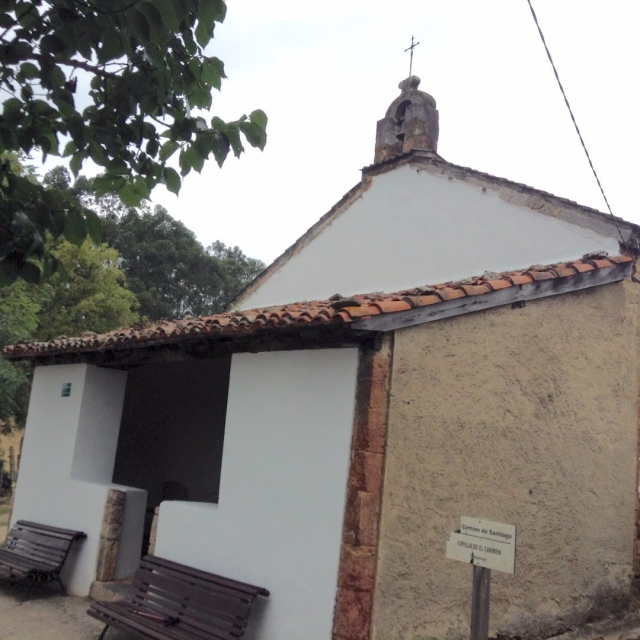 Llampaxuga, la capilla de la Virgen del Carmen