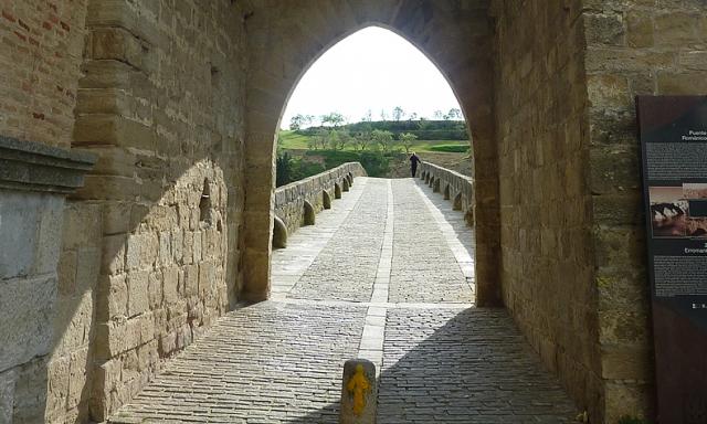 Los peregrinos deberán salvar el río Arga en Puente la Reina