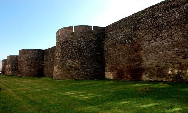 Lugo, la ciudad amurallada