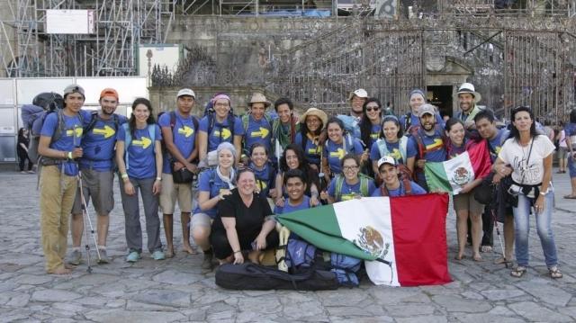 Mexicanos en la plaza del Obradoiro