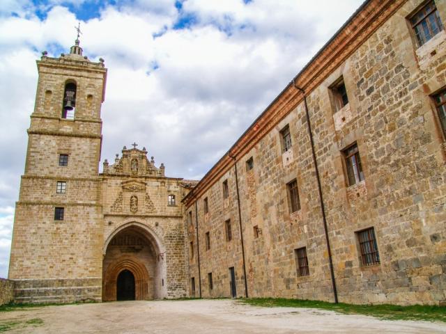 Monasterio de Irache - jalvarezg/iStock