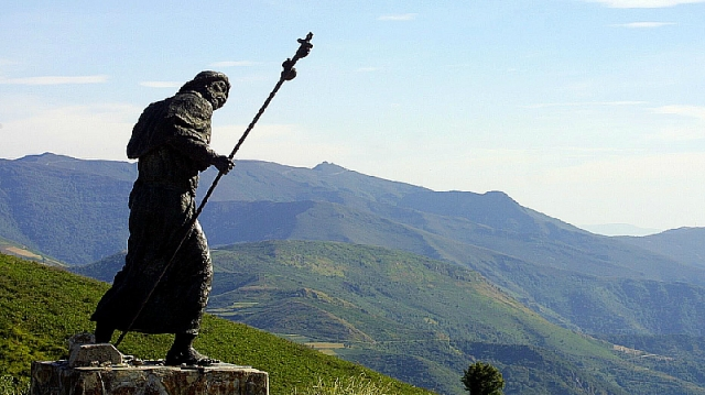 Monumento al Peregrino en el alto de San Roque / Fotografía de Óscar Cela