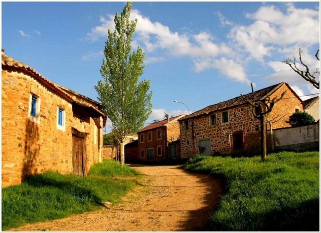 Murias de Rechivaldo ©Panoramio /Karp Panta