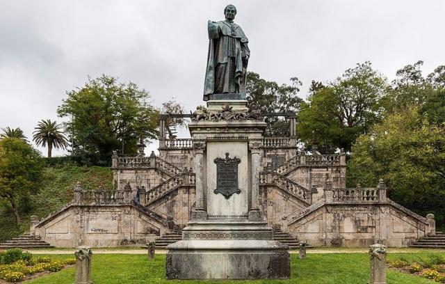 Paseo de la Alameda de Santiago de Compostela. Wikimedia Commons