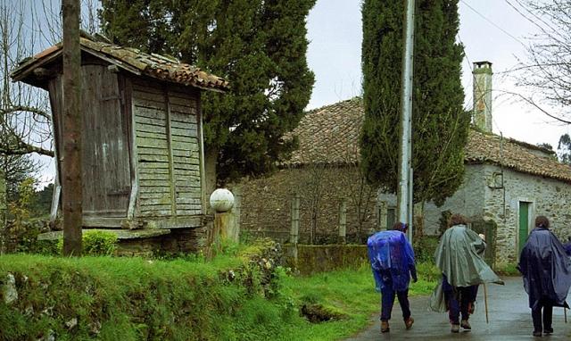 Peregrinos en Arzúa / Fotografía de Paco Rodríguez
