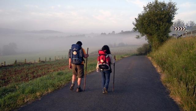 Peregrinos recorriendo el Camino del Norte