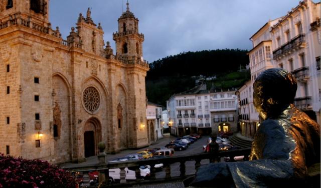 Perenne mirada de Álvaro Cunqueiro á Catedral