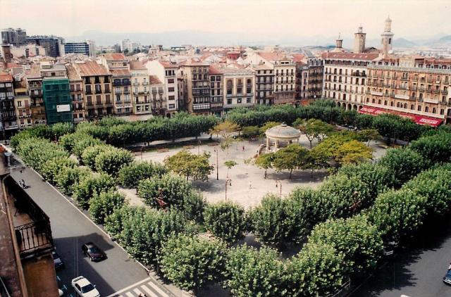 Plaza del Castillo en Pamplona - Wikicommons