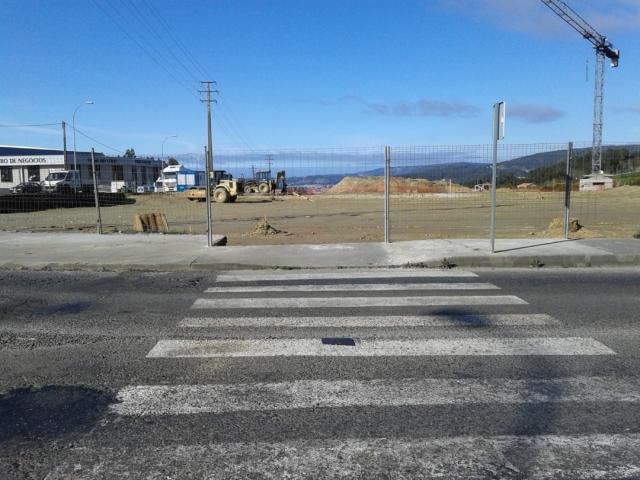 Polígono Vilar do Colo. a este paso de peatones salía en Camino
