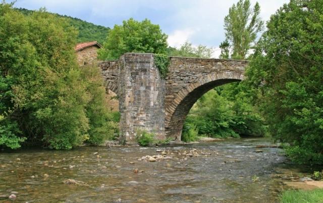 Puente de la Rabia en Navarra