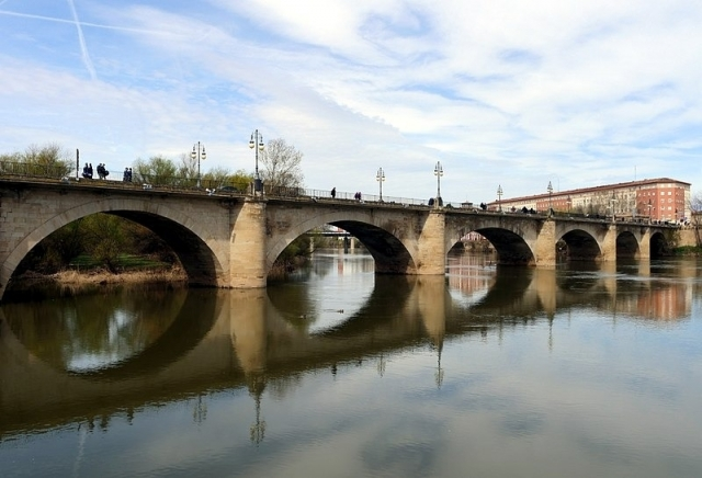 Puente de San Juan de Ortega - Jynus/Wikipedia