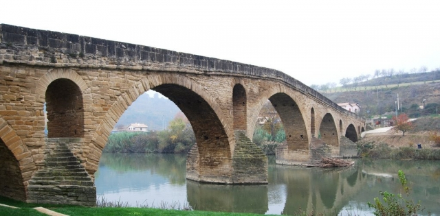 Puente La Reina ©Panoramio Anscaris