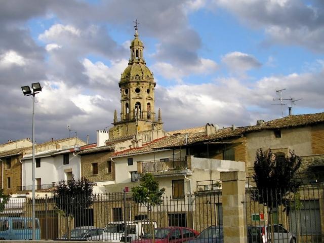Puente La Reina ©Panoramio destralerdelbruc