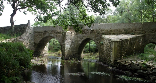 Puente viejo de Matiñán