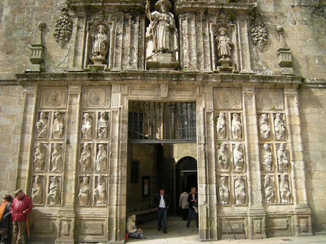 Puerta Santa de Santiago - José Antonio Gil Martínez / Wikipedia