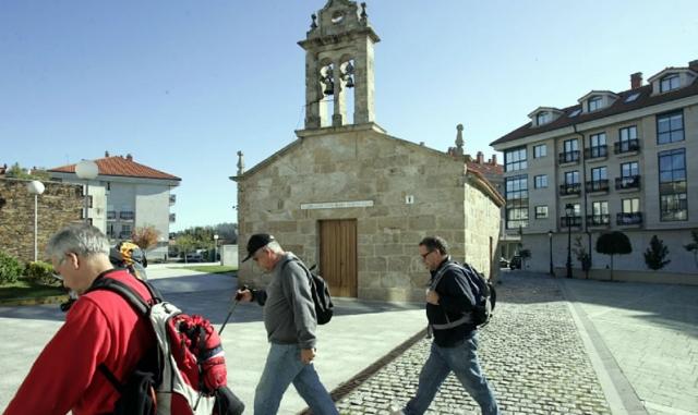 Punto de información al peregrino en la capilla de la Madalena de Milladoiro / Fotografía de Xoán A. Soler