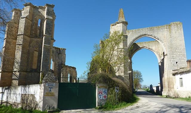 Ruinas de San Antón, próximas a Castrojeriz, donde se localiza el albergue