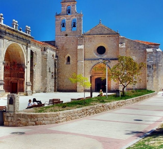 San Juan de Ortega ©Panoramio stuehmeierrolf