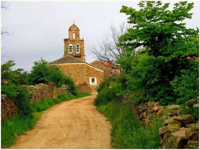 Santa Catalina de Somoza ©Panoramio /Karp Panta