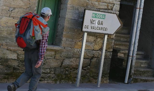 Señal galleguizada de Vega de Valcarce / Fotografía de Manuel Marras