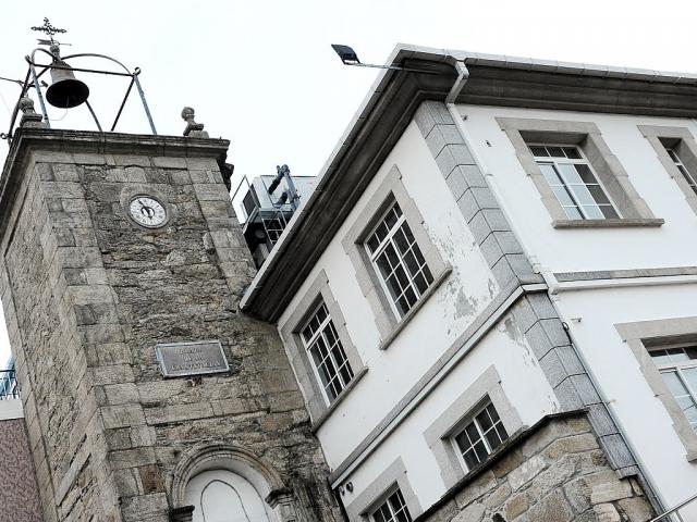 Torre del reloj de Neda, antiguo hospital de peregrinos