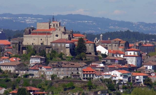 Tui - Foto: Luis Miguel Bugallo / Wikimedia