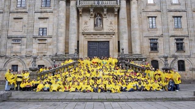 Una marea amarilla llega a la plaza del Obradoido | SANDRA ALONSO. La Voz de Galicia