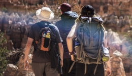 10 reasons to walk the Camino de Santiago without carrying your backpack
